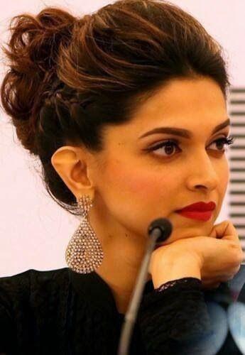 Deepika Padukone's Makeup Breakdown - myvanityreviews